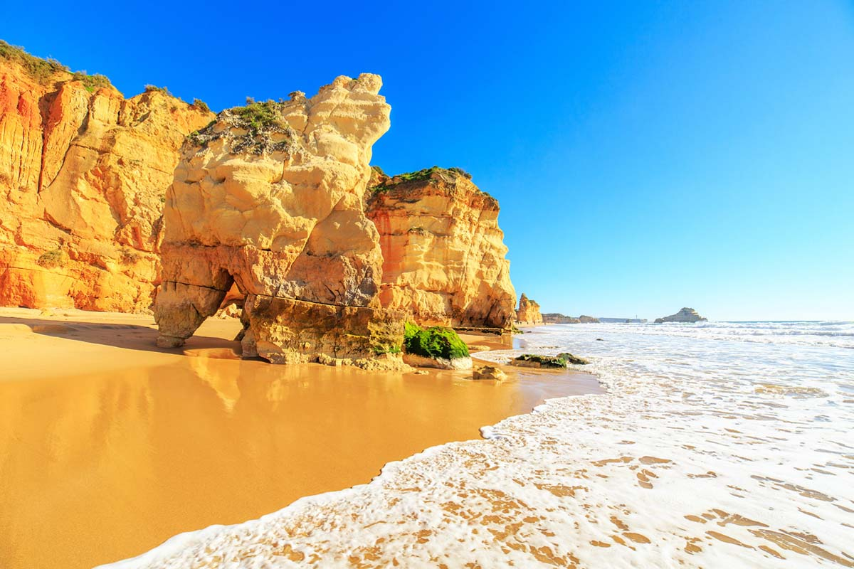 Algarve: riviera portugheza care te asteapta sa-i descoperi frumusetea naturala!