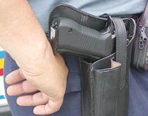 Tanar suspect de furt, impuscat mortal de politisti dupa ce nu s-a supus somatiei