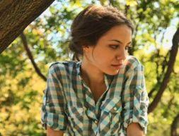 Gabriela Gioacasi, sosia din Romania a Angelinei Jolie, s-a sinucis la 21 de ani