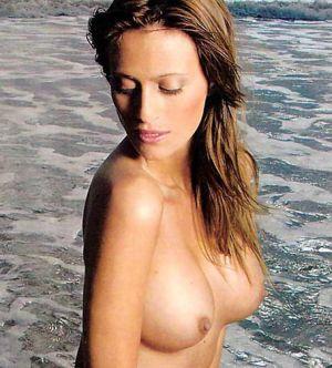 Modelul Playboy Monica Antonopulos, operatie de apendicita cu complicatii
