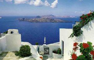 Grecia isi scoate la vanzare o parte din insule