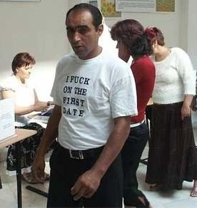 Basescu: Nu voi promulga legea schimbarii denumirii de rom in tigan