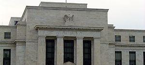 Devalorizarea dolarului va continua