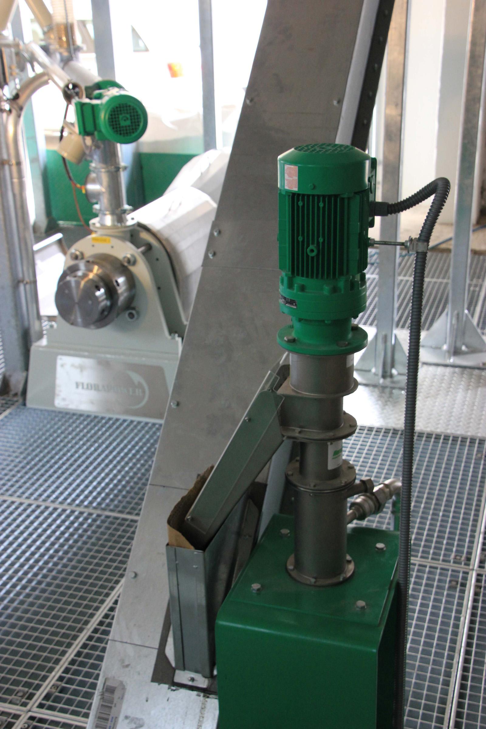 Filtru grosier, filtrarea uleiului vegetal. Calitate germana