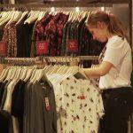 Știrile ProTV: Reduceri uriașe în magazine. Ce mai poate fi cumpărat la prețuri derizorii
