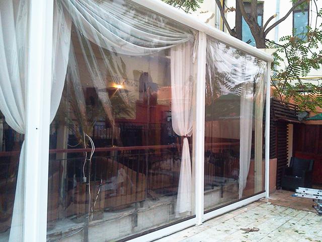 rulouri transparente casetate pentru terase