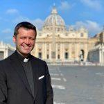 """Răspunsul lui Francisc Doboș, după ce Arhiepiscopul Tomisului a spus că familia de ortodocși care a botezat un copil catolic a greșit: """"Noi îl iubim pe PS Teodosie"""" – Esential"""