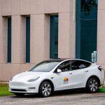 Tesla devine primul producător auto ce trece de 1.000 de miliarde capitalizare de piață – Auto